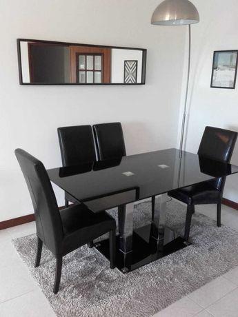 Mesa de jantar em vidro com 4 cadeiras + Espelho!