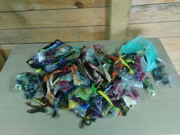 Zestaw 100 gum wędkarskich różnych producentów
