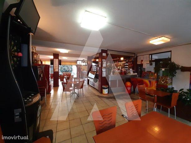 Trespasse Bar / Snack-Bar / Restaurante no Centro da Cida...