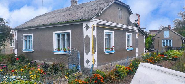 Продам добротний цегляний будинок
