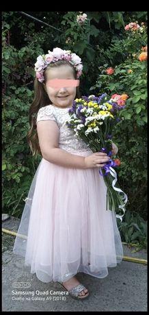 Пышное нарядное платье 7-8 лет, мы носили в 5 лет
