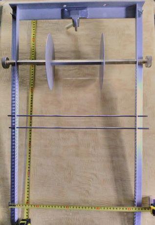 Ручной станок для плетения сетей.