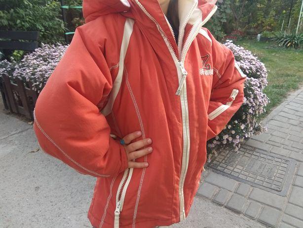 Продам куртку 128
