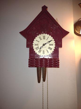 Ładny zegar z kukułka