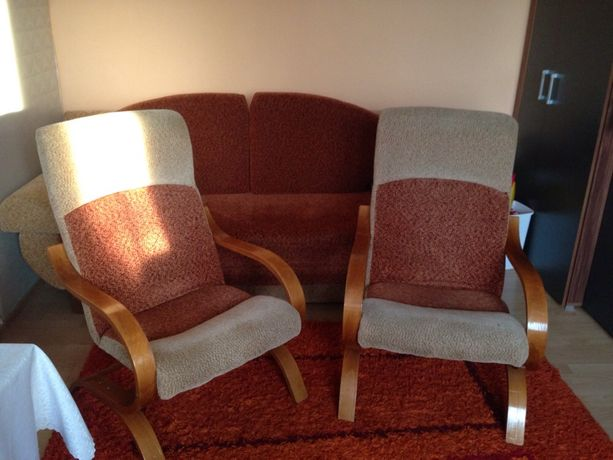 Sprzedam dwa fotele bujane beż pomarańcz drewno fotel