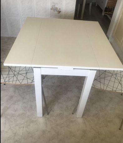 Mesa extensivel e duas cadeiras Ikea