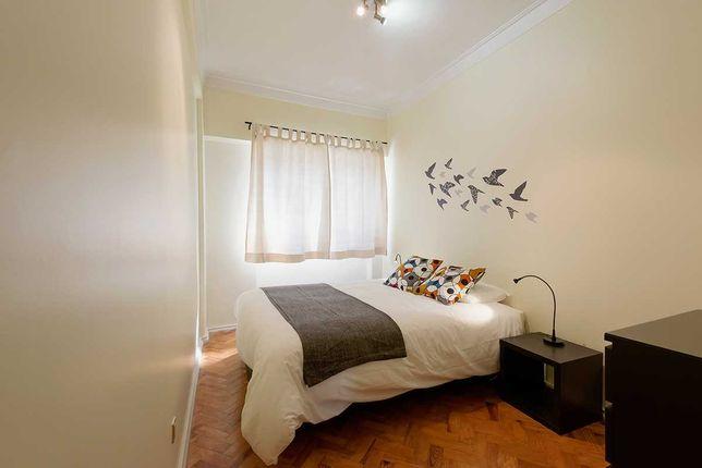 Apartamento T2, mobilado e equipado, na Graça