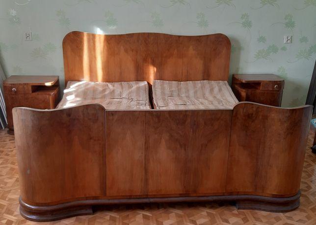 Łóżko drewniane w stylu PRL