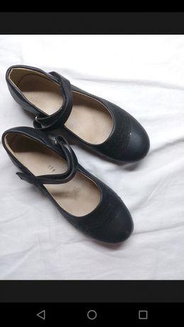 Туфли для девочки-школьници