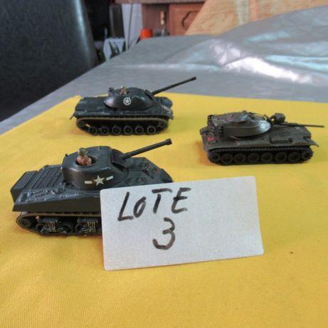 Lote 3 3tanques de guerra antigos em metal americanos