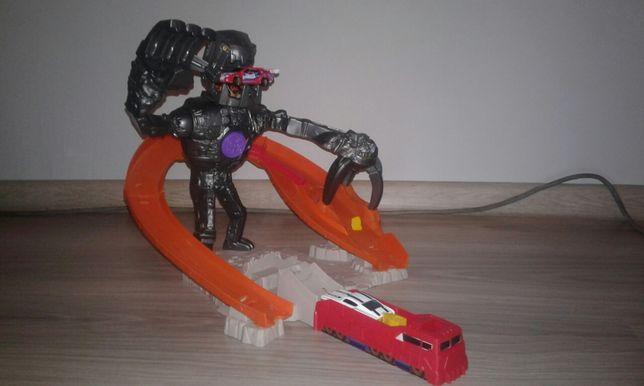 Atak nitrobota auta hot wheels zabawki