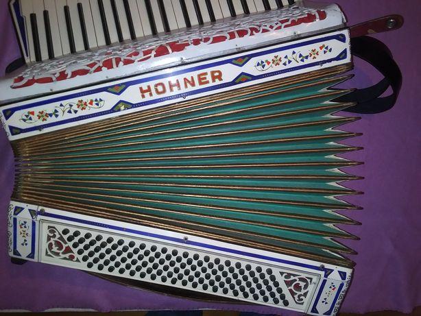 Akordeon Hohner 1055  4 chorowy kanciak niemiecki
