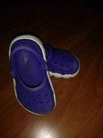 Crocs 6/7
