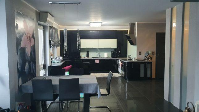 Sprzedam piękne mieszkanie w centrum Mławy z garażem