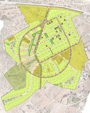 Lote até 6 casas para futura construção Caminho do Infante