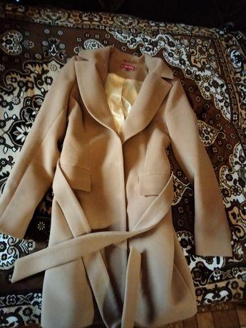 Продам пальто .!