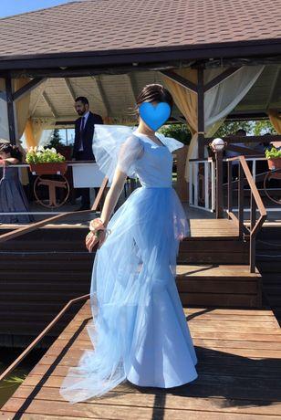 Вечернее платье-рыбка со шлейфом. Ткань королевский атлас+сетка.