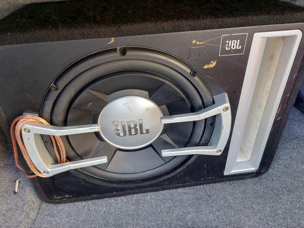 Subbufer samochodowy JBL
