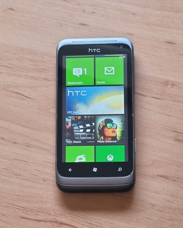 Telefon smartfon Htc metalowa obudowa