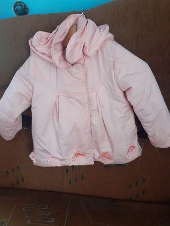 Б/у курточки весняні для дівчинки ріст110смстан ідеальний