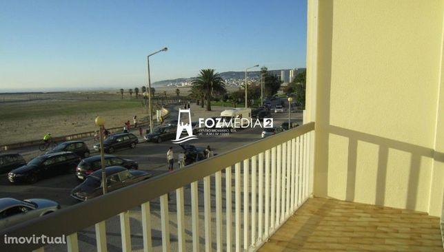 Apartamento T2 +1 frente mar para arrendar