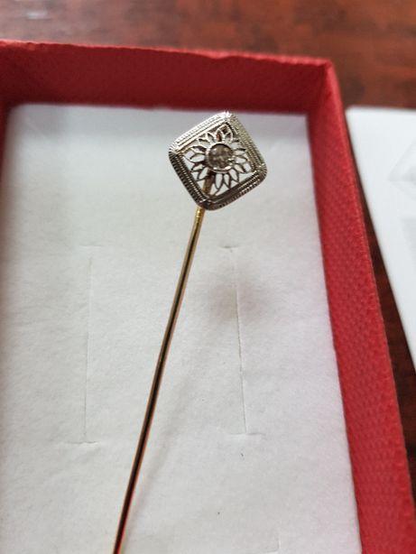 Dzień babci broszka - szpilka z diamentem złoto 585