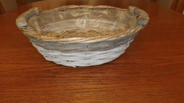 Koszyk wiklinowy idealny na stroik