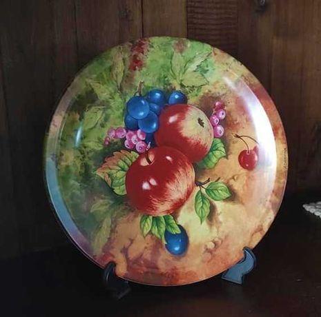 Lindo prato de porcelana Decoporce
