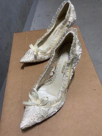 Eremo-Ślicznie buty ślubne koronkowe ecru rozmiar 38