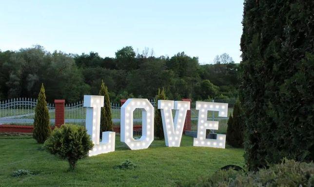 Wynajem napis LOVE MIŁOŚĆ na wesele poprawiny zaręczyny ślub sesja