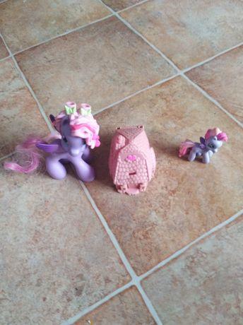 Koniki My Little Pony z domkiem