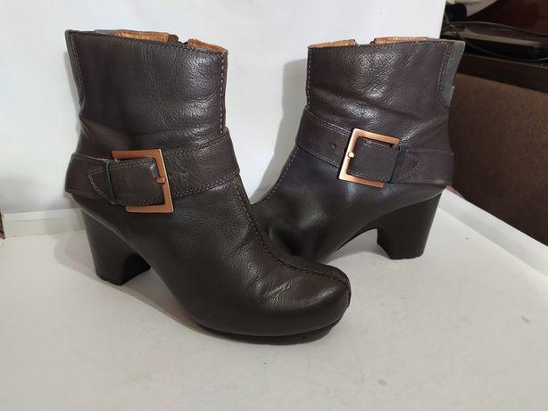 Ботинки Clarks originals Uk6, размер 39.Made in Brazil.
