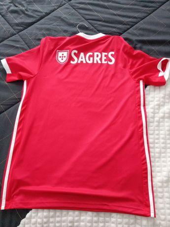 Vendo t-shirt oficial do Benfica