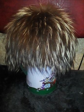 Продам классную шапку на вязанной основе чернобурка