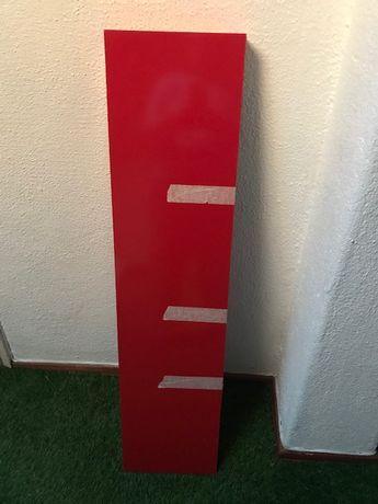 Estantes de parede vermelha IKEA Novas