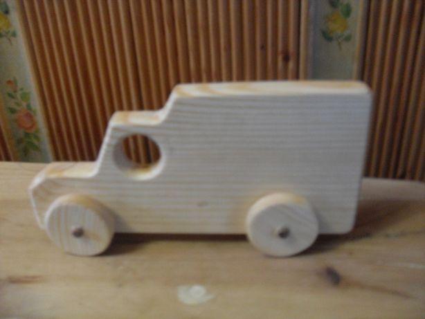 Продам деревянные детские машинки.