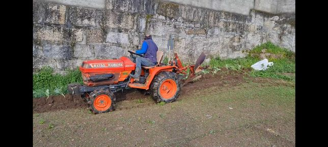 Trator kubota B1750