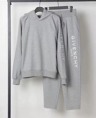 Nowy dres Givenchy w szarosci M
