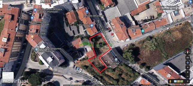 Terreno para construção de um prédio no centro de Leiria