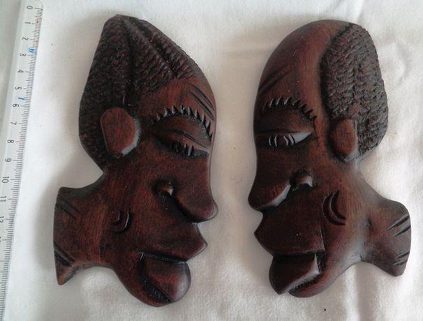Um par de figuras M/F esculpido em madeira maciça -Artesanato Africano