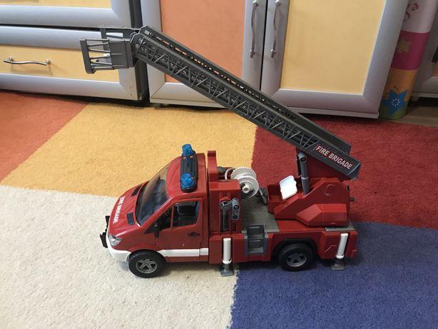 Большая Пожарная машина Bruder