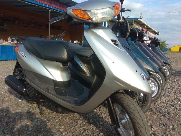 Продам скутер Ямаха Джок 36 Без пробега по Украине.Свежий завоз.