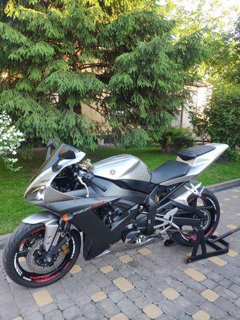 Продам Yamaha YZF R1