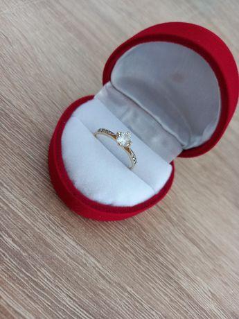 Sprzedam złoty pierścionek rom. 14