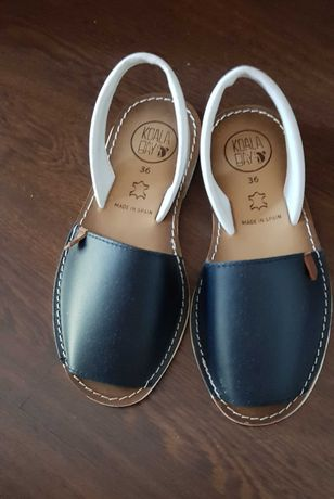 Sandálias de menina