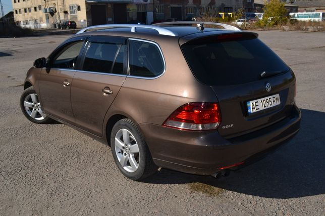 Продам автомобиль Volkswagen Golf Variant 6 1.4t DSG7 2011 г.