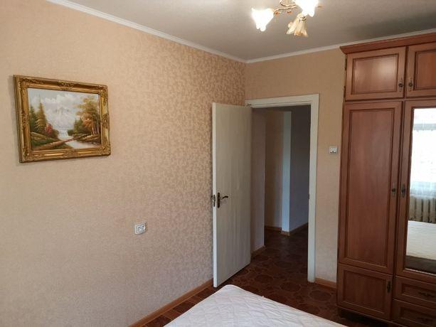 3-х комнатная, хорошее состояние, средний этаж, проспект Б.Хмельницког