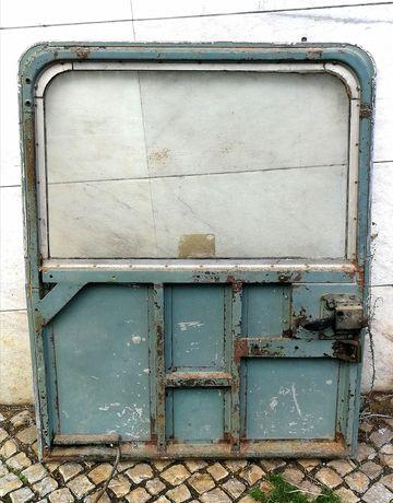 Porta traseira de LAND ROVER série III