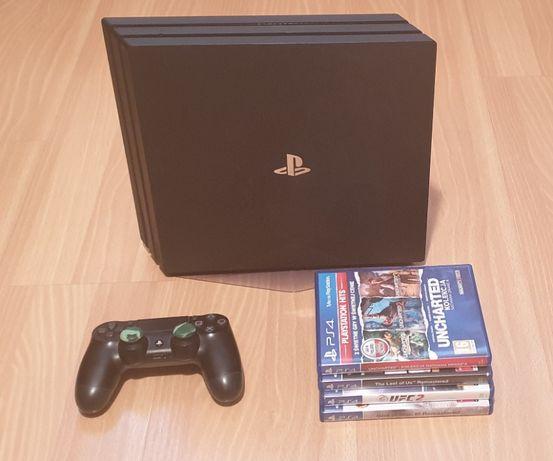 PS4 PRO 1TB + 5 gier + pad + podstawka