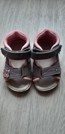 Босоножки сандалии для малышки